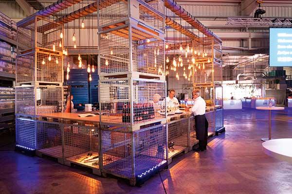 Group Schumacher Firmenjubiläum Bar von Wergzeugbaukollegen