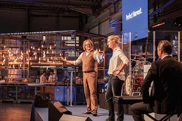 Group Schumacher Firmenjubiläum Stand-up Comedy von den Frizzles
